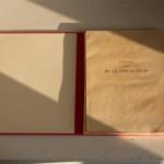 Cet ouvrage non relié est issu des réserves des bibliothèques des universités de Montpellier. Les estampes étaient conservées dans une chemise et une boite de conservation.