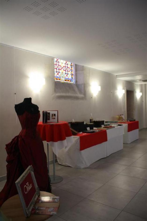 Exposition dans le hall de la chambre des métiers du Loiret