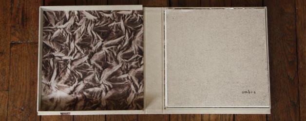 Boîte en papier réalisée pour un livre d'artiste