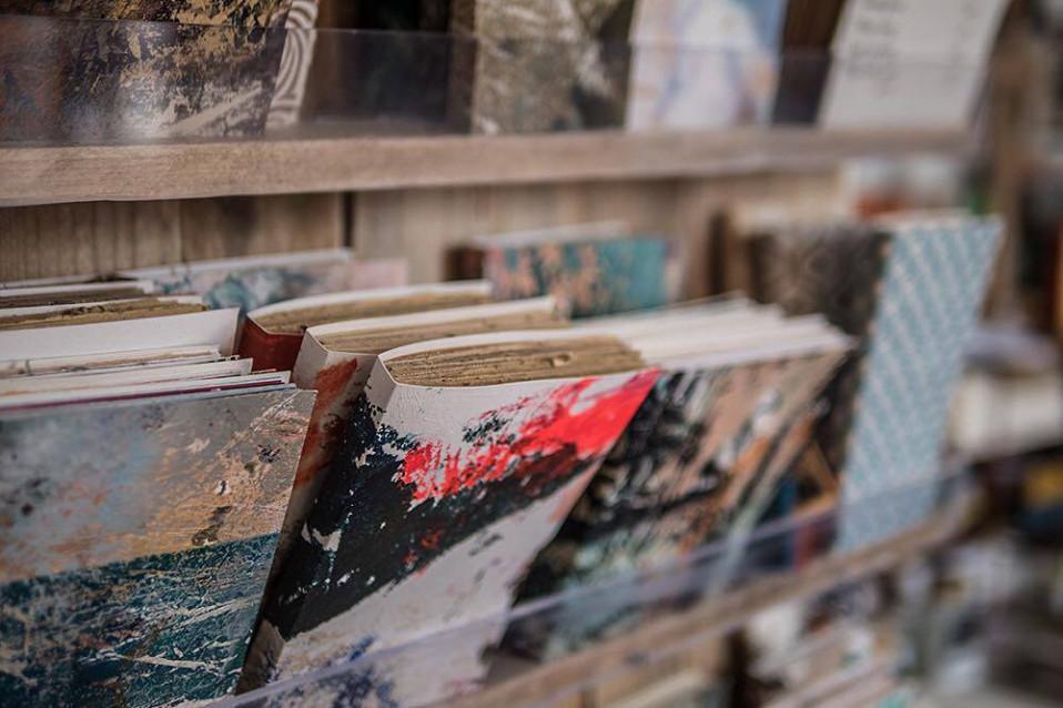 Les carnets Leena sont en vente à la Librairie Nouvelle à Orléans